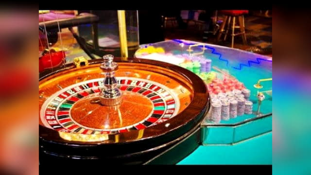 Royal Panda Casino에서 EUR 1645 NO DEPOSIT